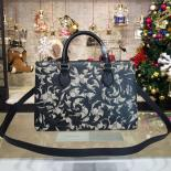 Knockoff Gucci Arabesque Canvas Top Handle Bag Fall/Winter 2016 Collection, Black/Beige