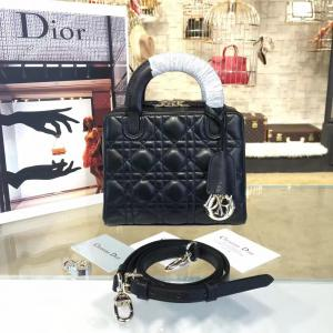 Replica Dior Lily 19cm Bowling Bag Lambskin Leather Pre-Fall 2016 Collection, Black